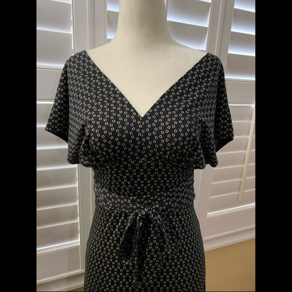 Banana Republic Dresses & Skirts - Banana Republic Silk Midi Dress